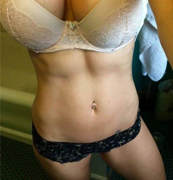 Sexgeile Camgirls präsentieren ihre geilen Brüste